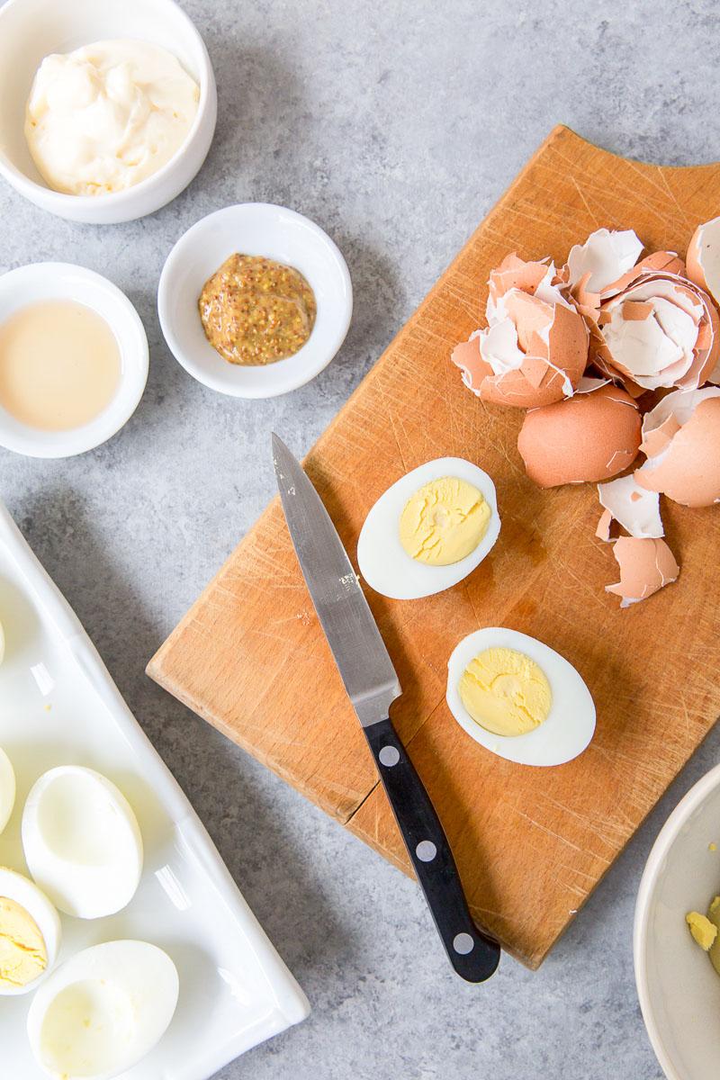 peeling and halving eggs