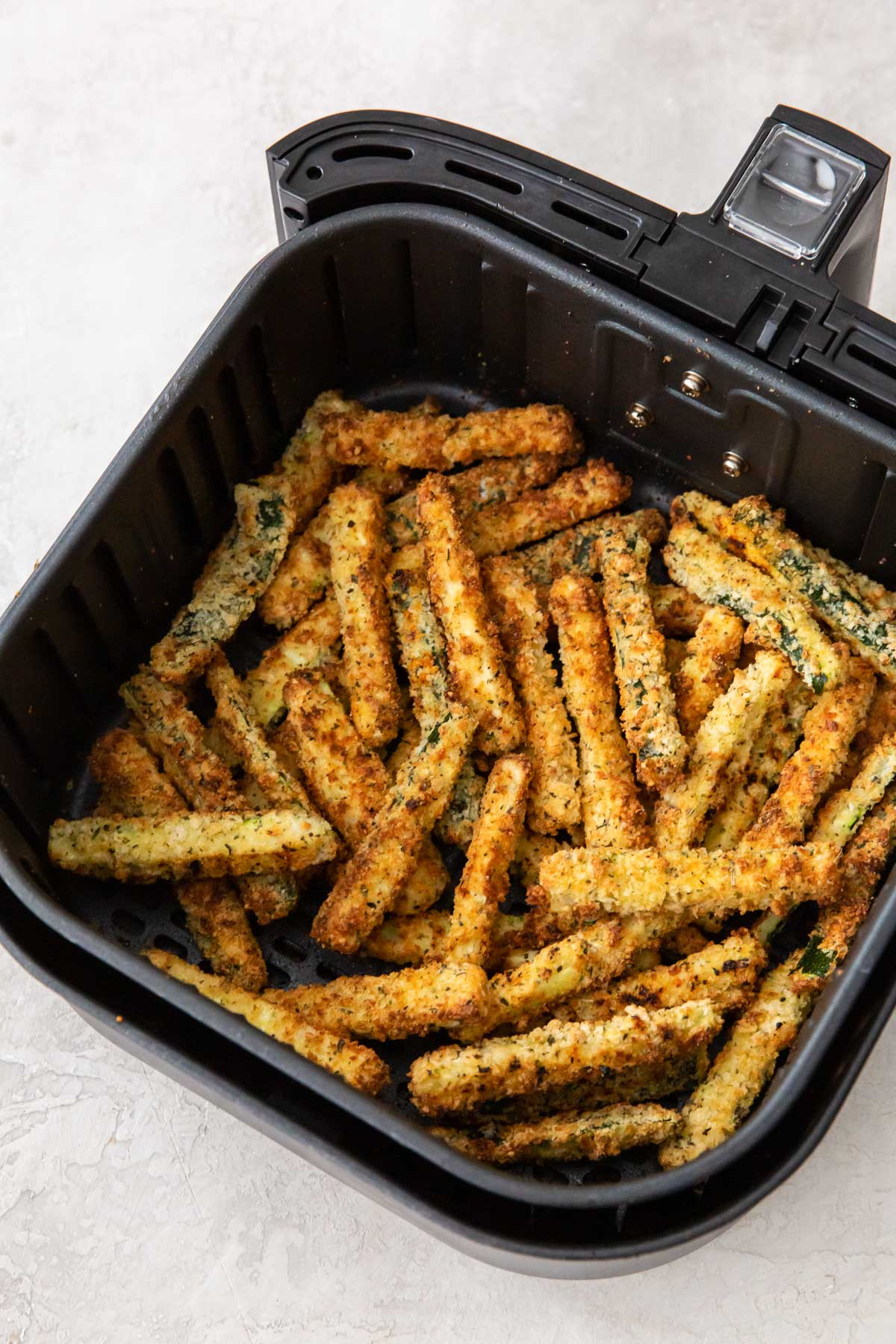 crispy zucchini fries in air fryer