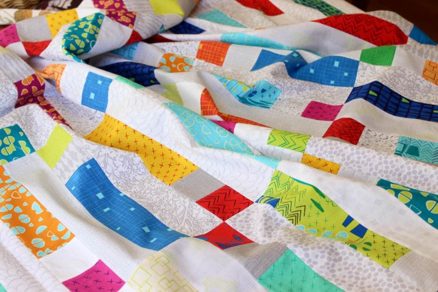 Dot n Dash quilt by Christa Watson at kristinesser.com