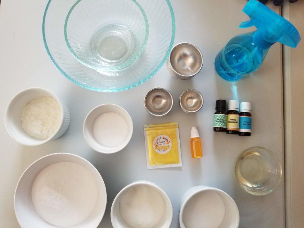 Lemon Bath Bombs #bathbombs #diybathbombs #diybeauty #lemonbathbombs