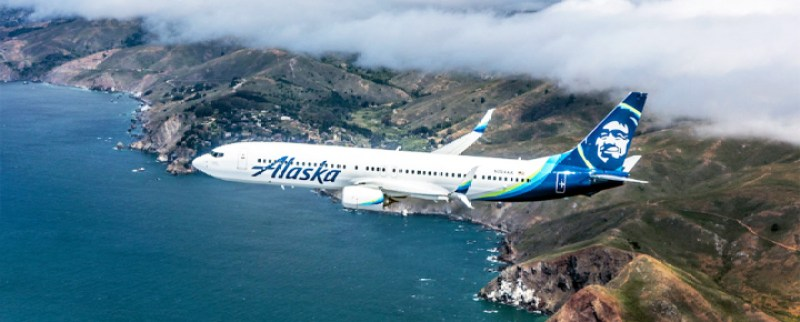 Alaska Airlines plane flying into Alaska #alaska #alaskaairlines #travelalaska