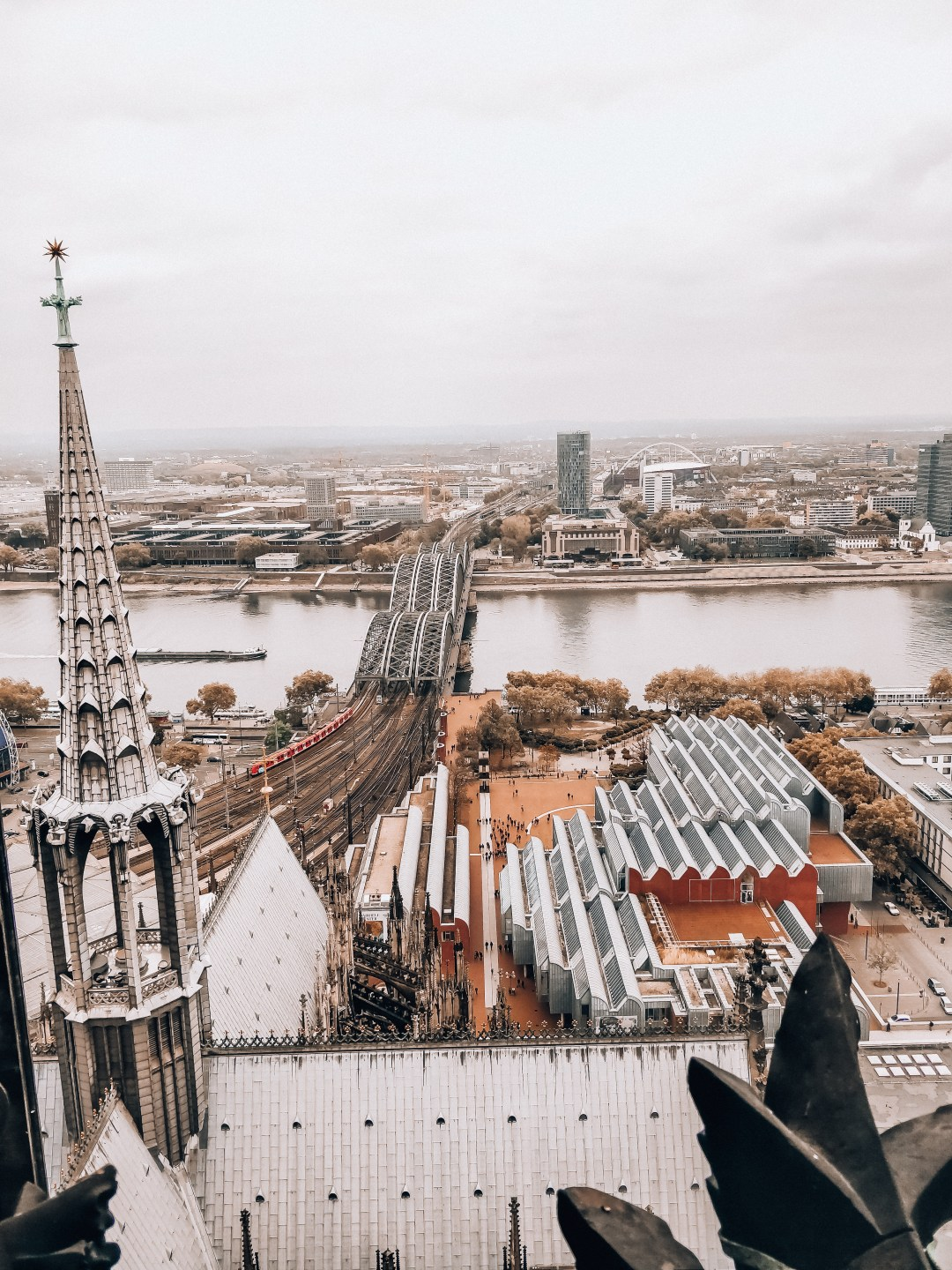 533 steps to enjoy the view from 100 meters
