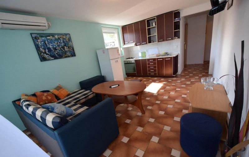 apartman 6 dnevni boravak4