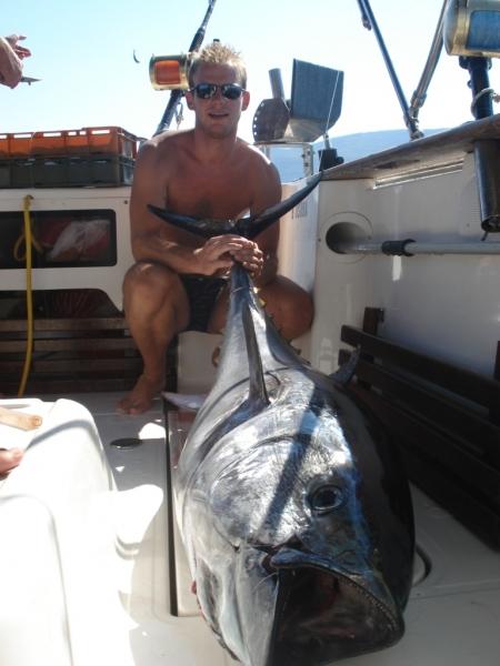Tonhal horgászat az Adrián