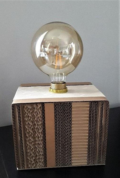 """lampe en carton """"le cube"""" décoration design"""
