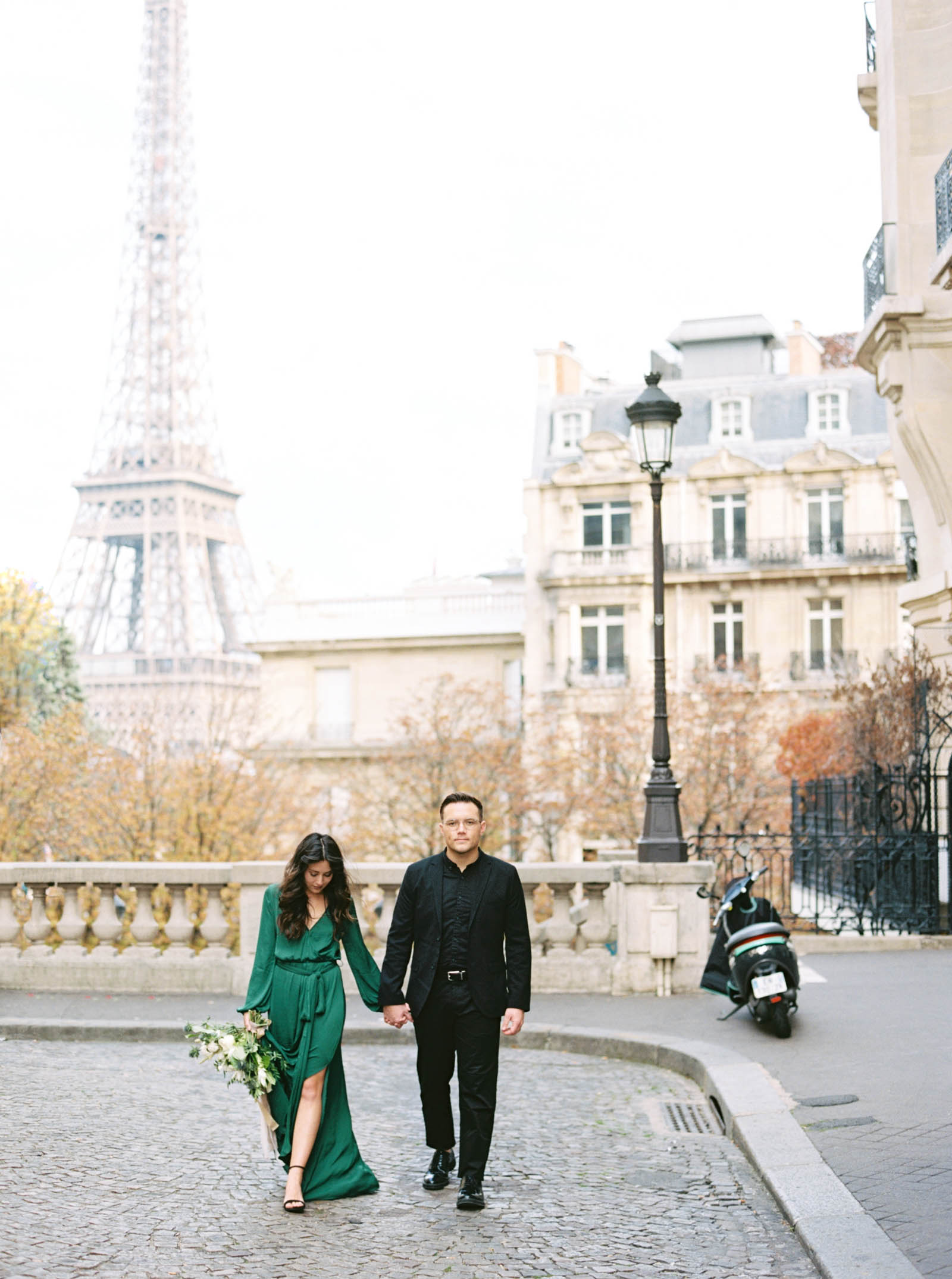 Romantic Engagement Photos - Eiffel Tower - KR Moreno