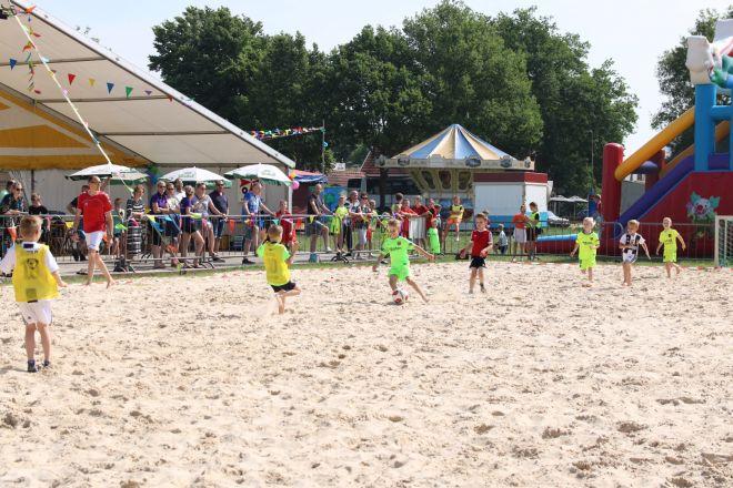 za1_voet-volleybal (1) (Groot)