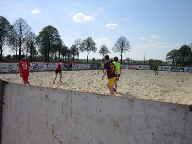 za5_voet-volleybal (1)