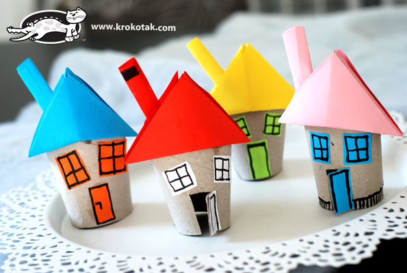 Fonte: http://krokotak.com/2013/11/lets-make-a-house-from-toilet-paper-rolls/