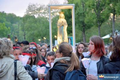Procesja różańcowa w Lourdes