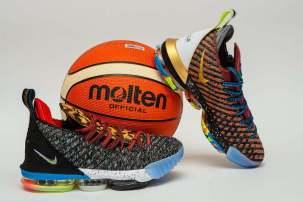Кроссовки Nike Lebron 16