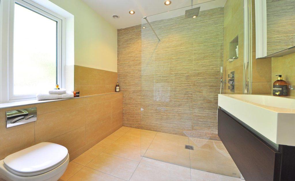 badeværelse fliserne
