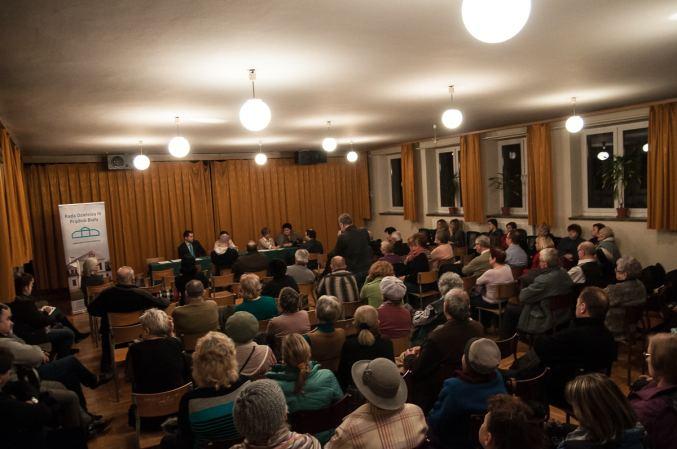 Na spotkanie przyszło kilkadziesiąt osób.