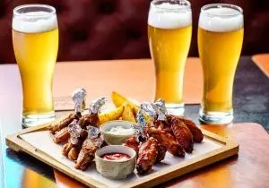 Mga meryenda ng beer: TOP-25 ng pinakamahusay at orihinal na mga recipe na maaari mong lutuin gamit ang iyong sariling mga kamay