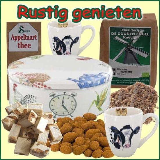 Kerstpakket Rustig genieten - thee Cadeaupakket gevuld met originele StreekSpecialiteiten - Cadeaupakket - www.krstpkkt.nl