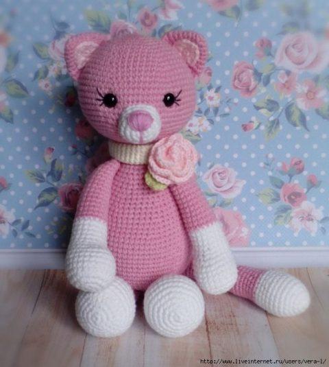 কিভাবে একটি গোলাপী crochet বিড়াল টাই