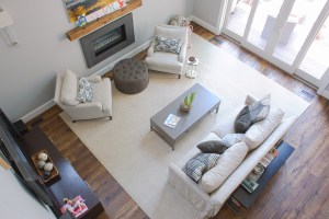 9 7 pic 1 300x200 - Choosing the Perfect Rug for Your Hardwoods