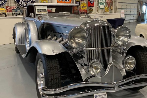 follow-the-auburn-auction-by-worldwide-auctioneers (2)