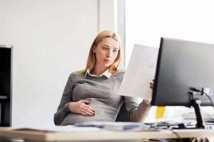 Лёгкий труд для беременных в 2019-2020 году - что говорит Трудовой кодекс, норма труда, сколько часов можно работать
