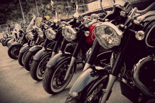 רוכבי אופנועים אמיתיים
