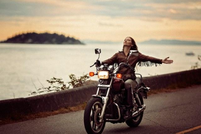 כיבוי מנוע האופנוע הוא סתירת החופש