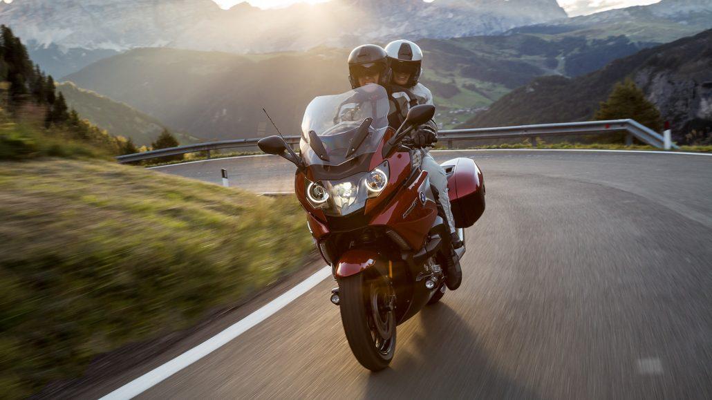 סרטון רכיבת אופנועים