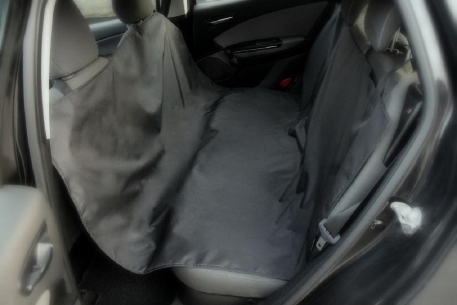 Wodoodporna mata do samochodu dla psa