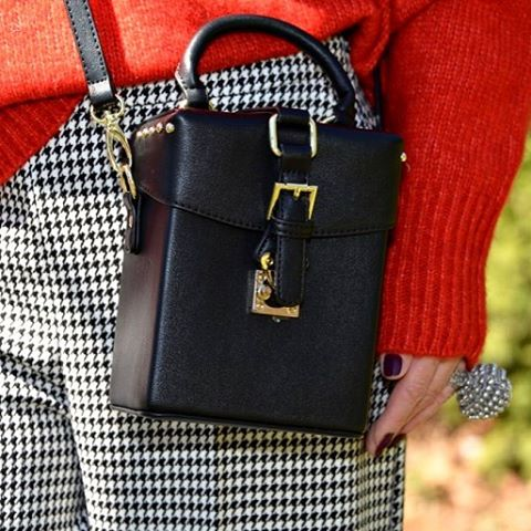 bag fashion instapic details detale instadetails chic outfit over50 fashionlookhellip