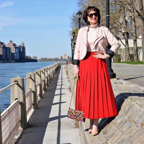 fashion fashionblog fashionpost fashionlook fashionchic redskirt moda instalook instamoda instapichellip