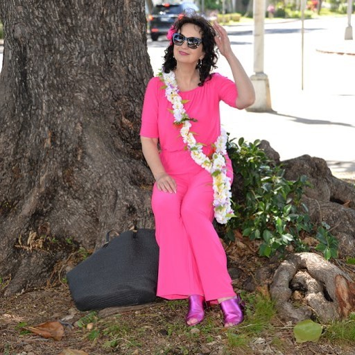 MY FASHION WITH HAWAIIAN ACCENT newpost hello today styleover50 stylehellip