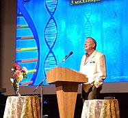 Nesta imagem podemos ver que o DNA voltou a ser tema de conversa, tal como tem sido habitual.