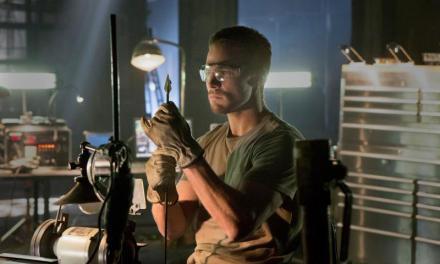 Tony Carter Reviews: CW's Arrow… Not your father's Green Arrow