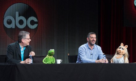Kermit, Miss Piggy Split, Muppet Show Goes On Anyway