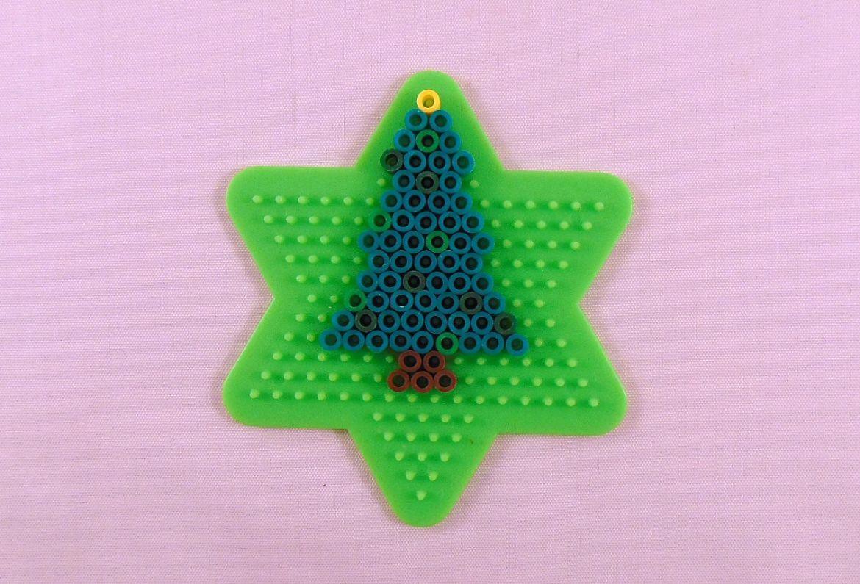 10 Easy Christmas Perler Bead Patterns – Krysanthe