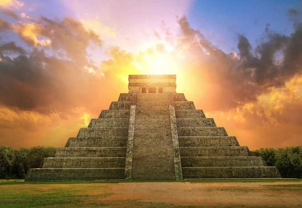 Enjoy Chichen Itza Fall Equinox with Krystal International Vacation Club (2)