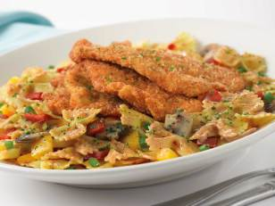 2) The Cheesecake Factory's Louisiana Chicken Pasta (2,370 calories) The Louisiana Chicken Pasta, which weighs an impressive 1.5 pounds, comes topped with four slices of heavily breaded chicken. Add the New Orleans sauce (butter and heavy cream), and your plate is up to 2,370 calories (more than a day's worth), plus 80 grams of saturated fat (a four-day supply) and 2,370 milligrams of sodium (11⁄2 days' worth). IMAGE: Cheesecake Factory website