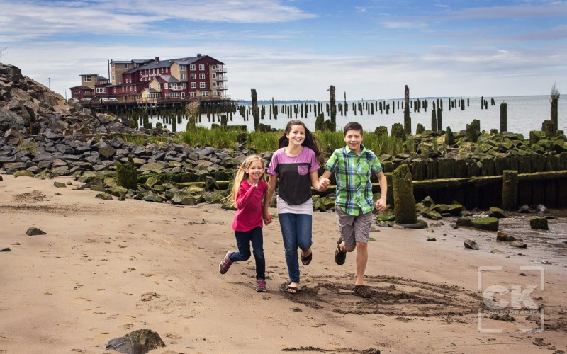 Chris Kryzanek Photography children - running on the beach
