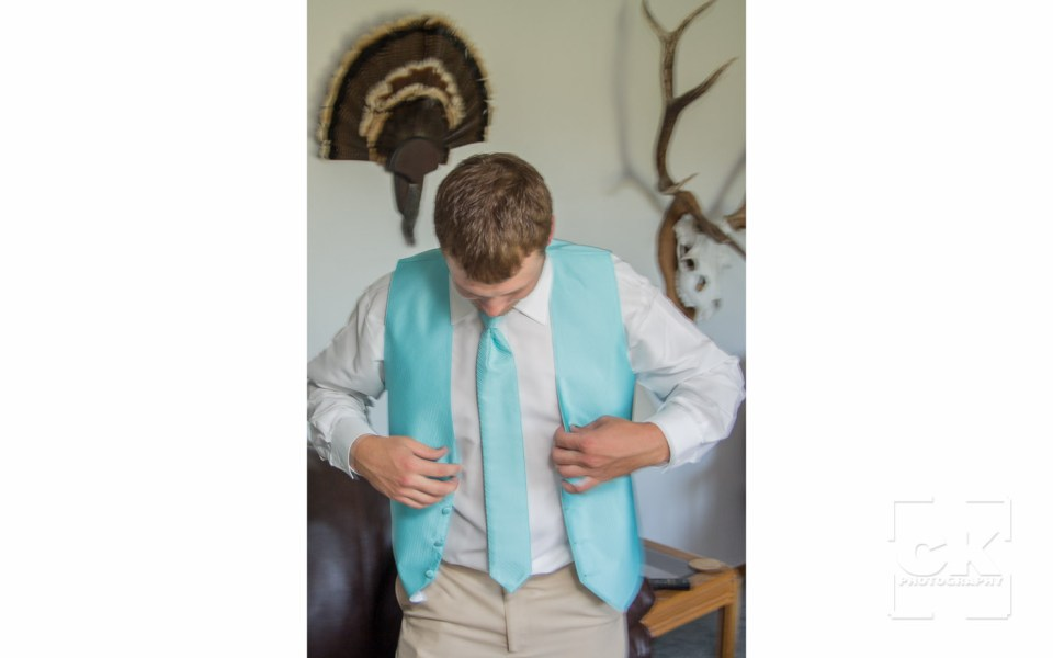 Chris Kryzanek Photography - Groom prep