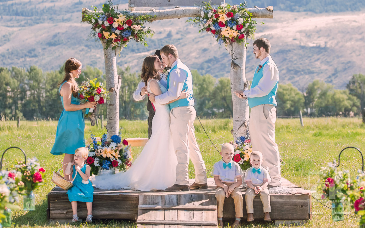 Chris Kryzanek Photography - Ceremony first kiss