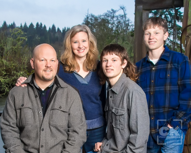 Chris Kryzanek Photography - large family session Knappa Oregon