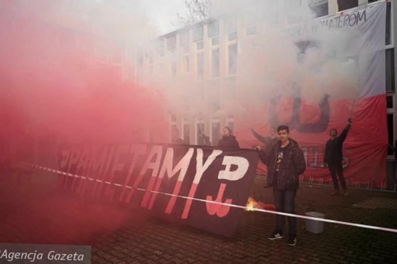 Apel-w-VIII-LO-we-Wroclawiu (1 von 1)
