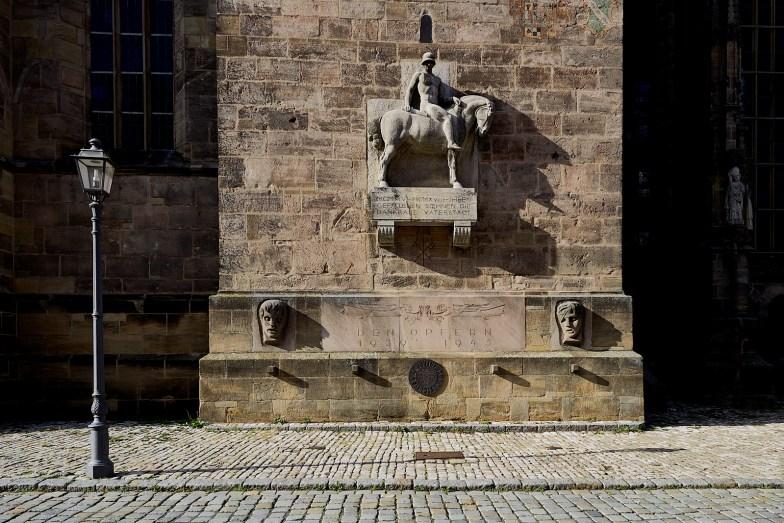 Foto: Augsburg. Pomnik poległych w czasie I i II wojny światowej