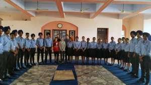 11. Klasse der Academy mit 4 deutschen Ausbildern in ihrer Mitte