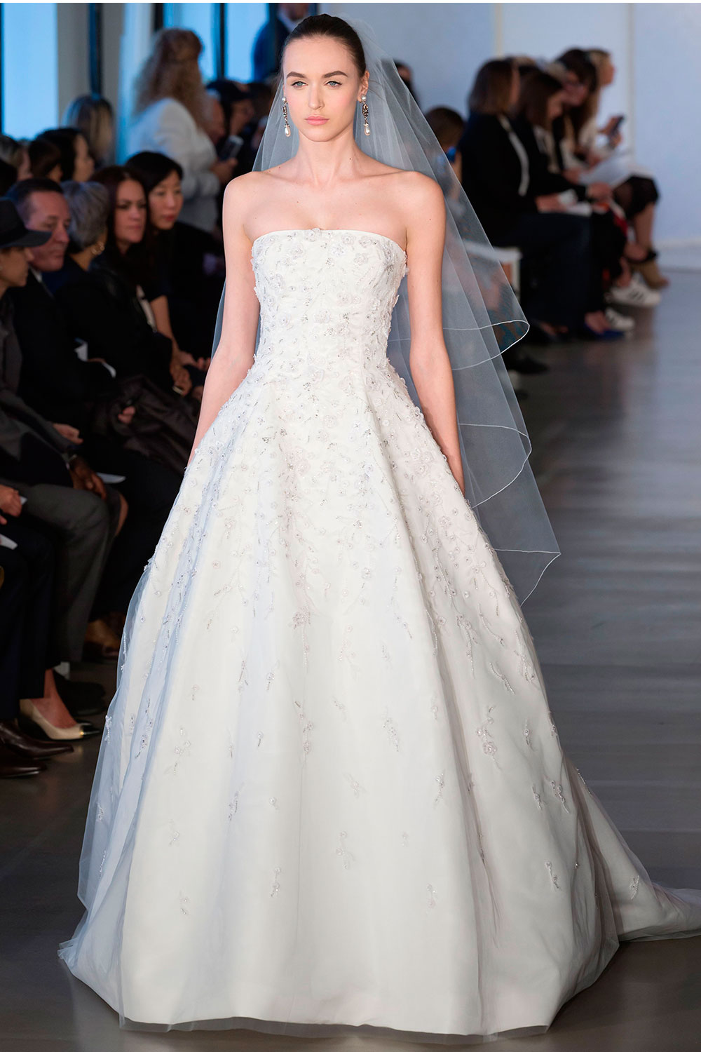 Wedding Dresses from bespoke to highstreet how to find the perfect dress