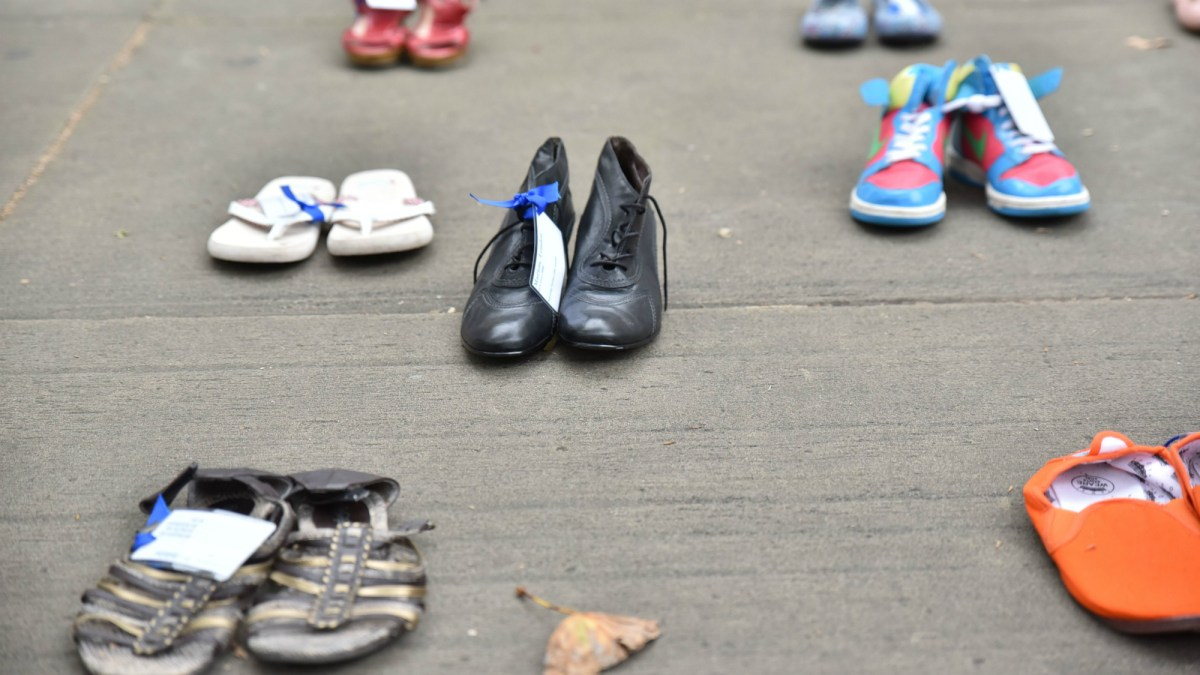 The important reason why people are leaving shoes around cities