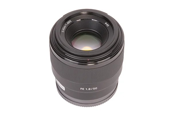 Sony FE 50mm f / 1.8 2