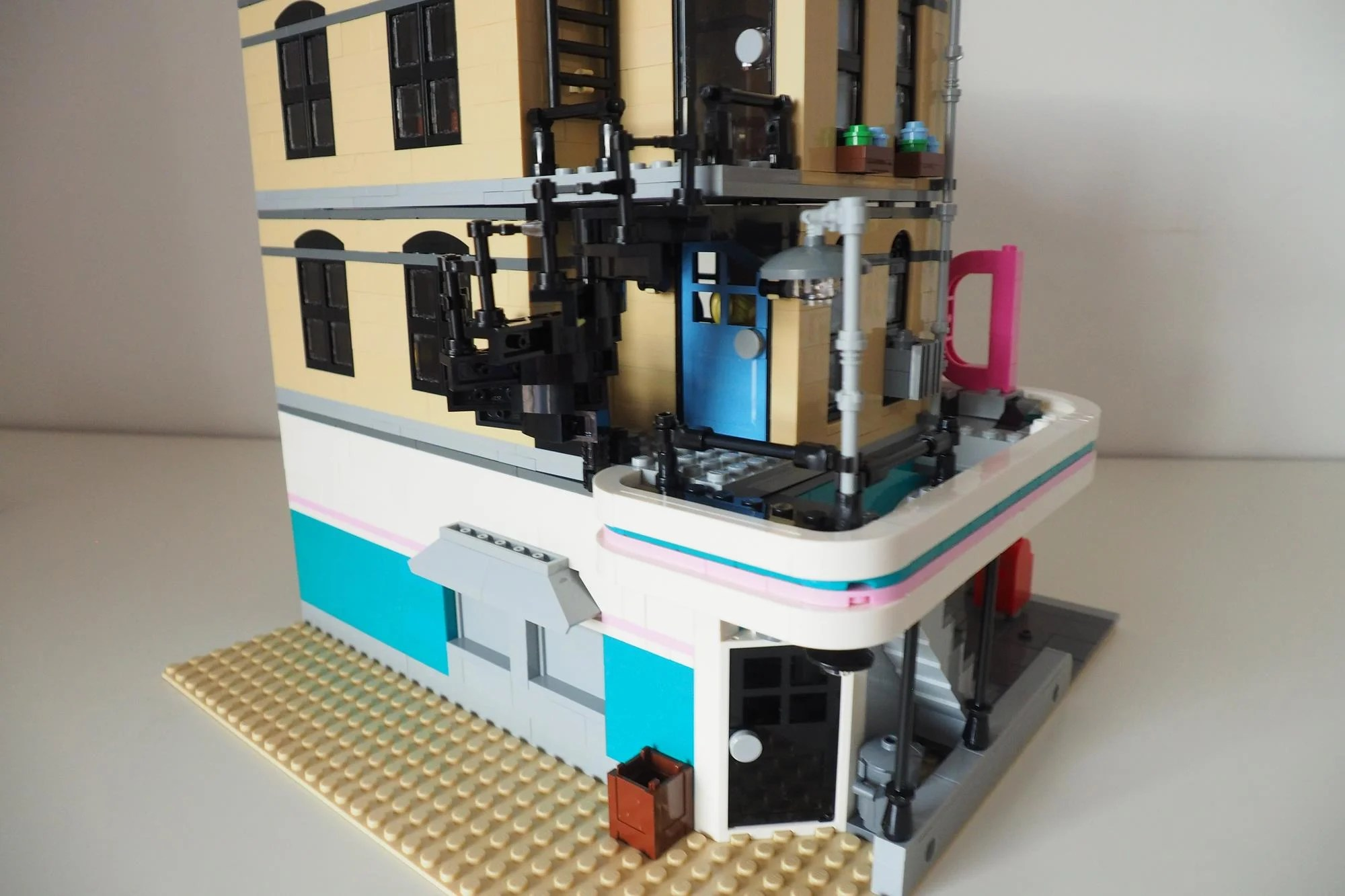 LEGO Creator Expert Downtown Diner 10260 Review Trusted Reviews