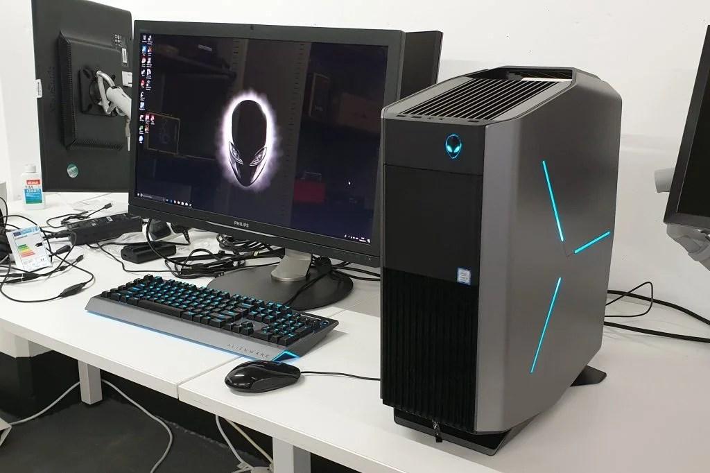 Alienware Aurora R8