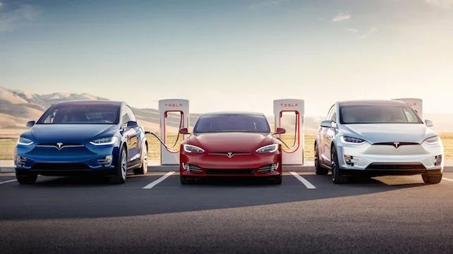 Jaguar I Pace Vs Tesla Model X One Of These Electric Suvs