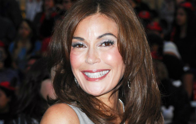 Teri Hatcher To Play Villain In Supergirl Series Nme